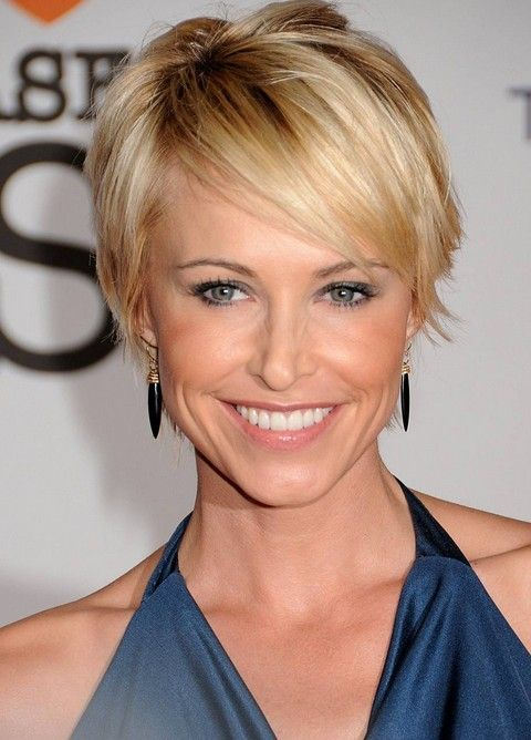 13 Pretty Short Hairstyles for Long Faces - Pretty Designs