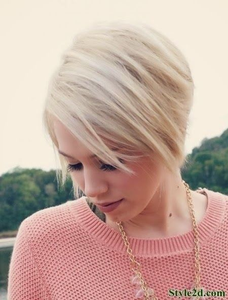 Short Layered Bob Hairstyle for Light Blond Hair