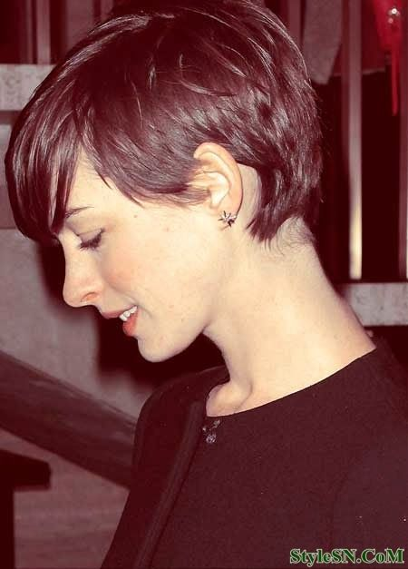 Short Pixie Hairstyle With Long Side Bangs/Pinterest