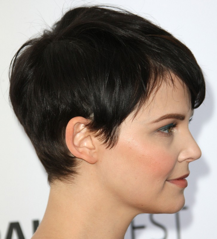 Short And Sy Is What This Hairstyle All About Cute Pixie Cut From Ginnifer Goodwin She Sported A Side Parted Time