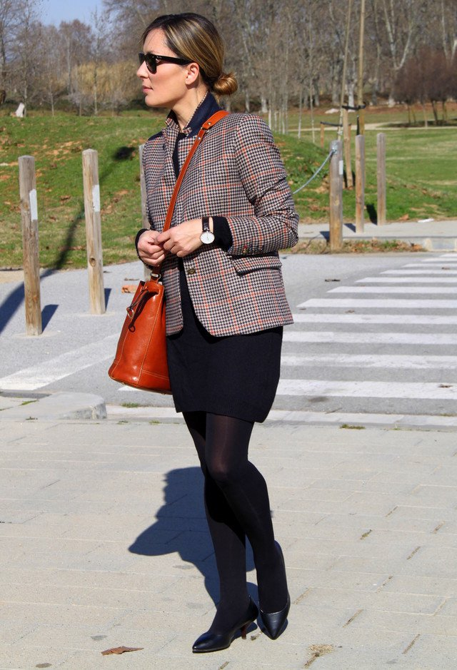 Simple Plaid Blazer Outfit