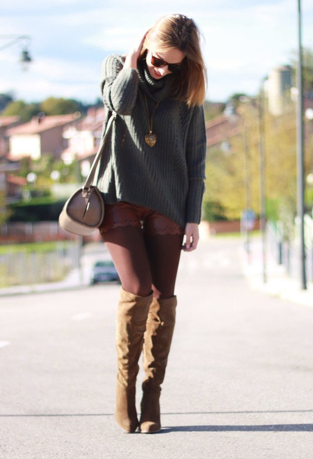 Simple Turtleneck Outfit for Fall