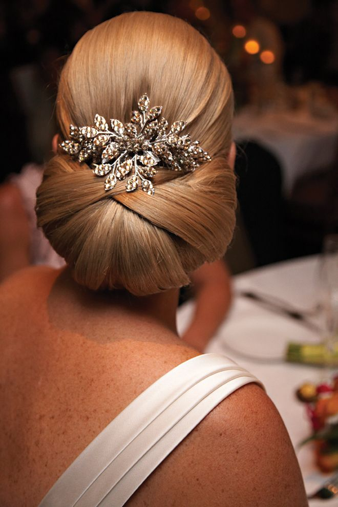 15 Elegant and Chic Sleek Updo Hairstyles for Women ...