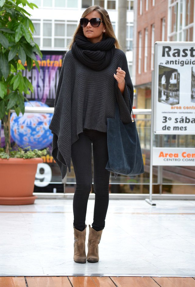 Stunning Dark Grey Outfit with Scarf