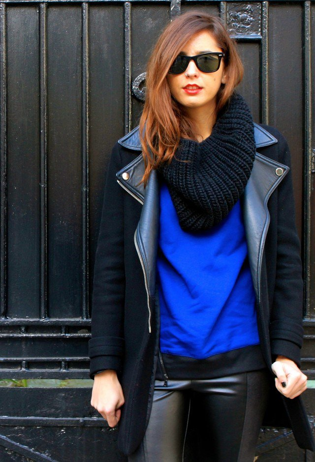 Stylish Knitted Scarf Outfit