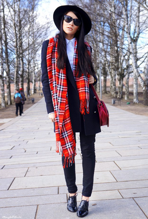Trendy Outfit Idea with A Plaid Scarf
