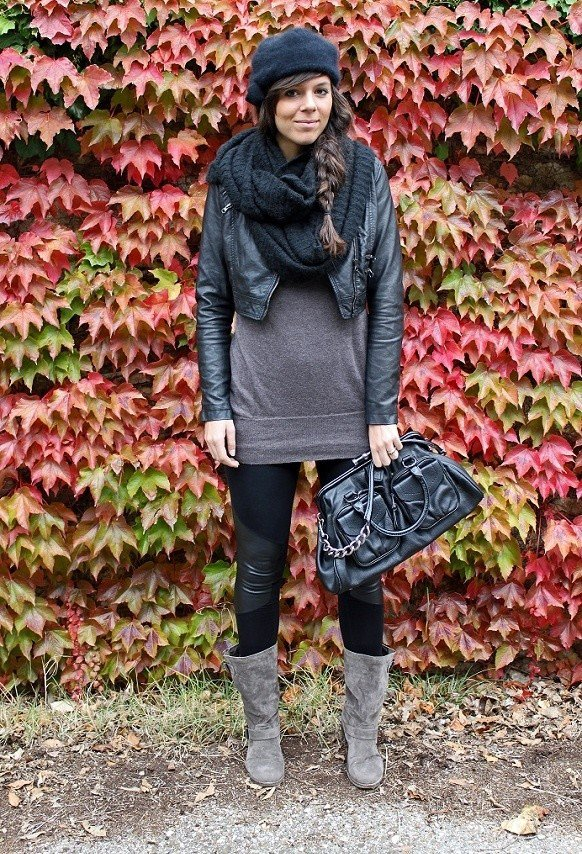 Trendy Winter Outfit with A Scarf