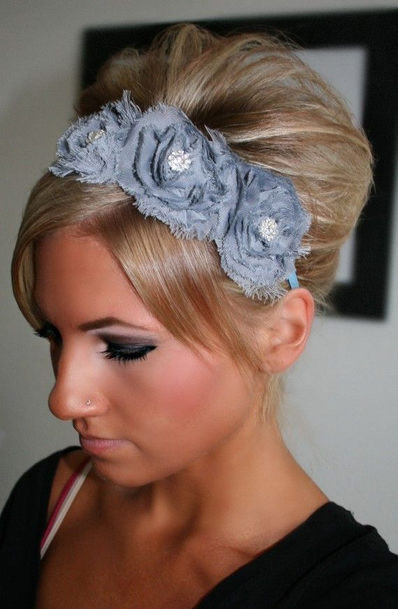 Short Wavy Updo with Bright Headband. If you desire to let your hair look natural and nice at the wedding, choose a short wavy updo with a bright headband. Accentuate your short hair with large barreled curls to get a wavy appeal. Place a sparkling headband to highlight your look.