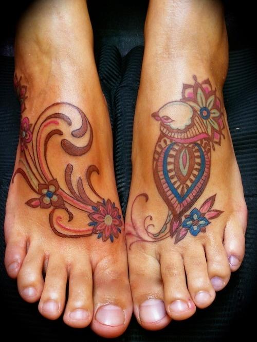 15 Foot Tattoo Designs For Women Pretty Designs