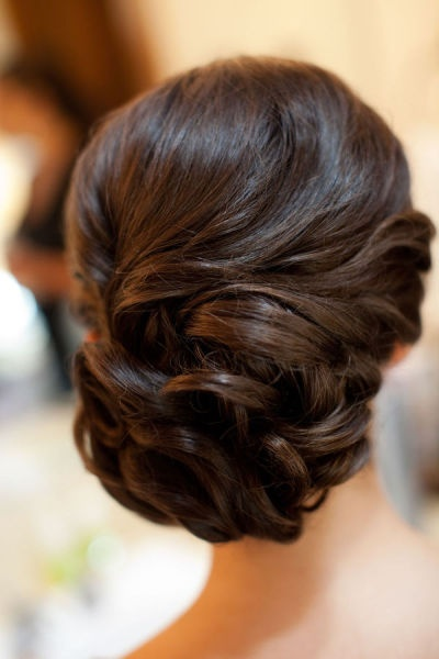 16 Beautifully Chic Wedding Hairstyles For Medium Hair