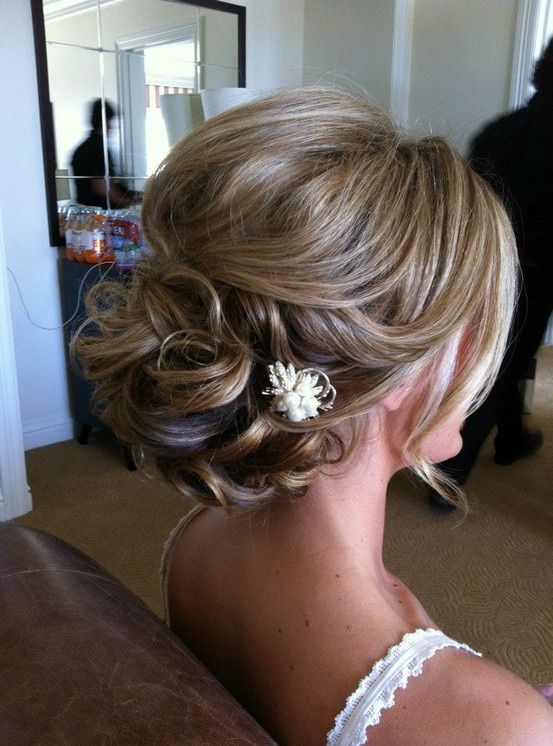 16 beautifully chic wedding hairstyles for medium hair pretty wedding updo hairstyle for medium hair pmusecretfo Choice Image