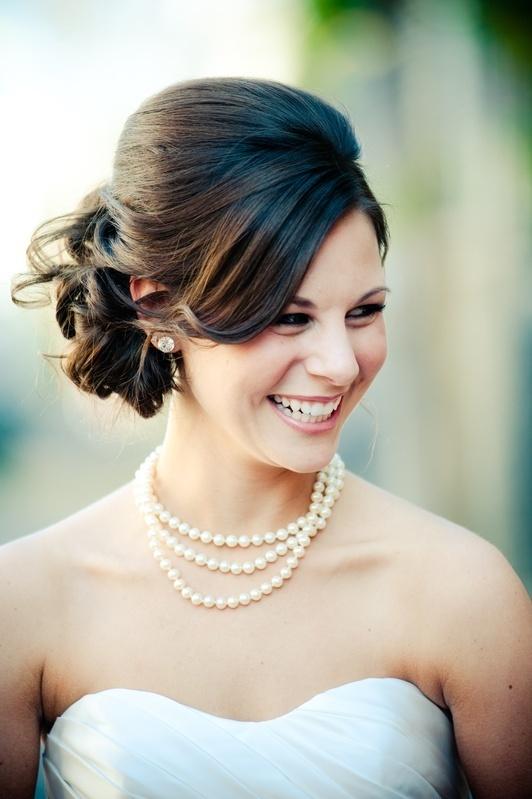 16 Beautifully Chic Wedding Hairstyles for Medium Hair - Pretty ...