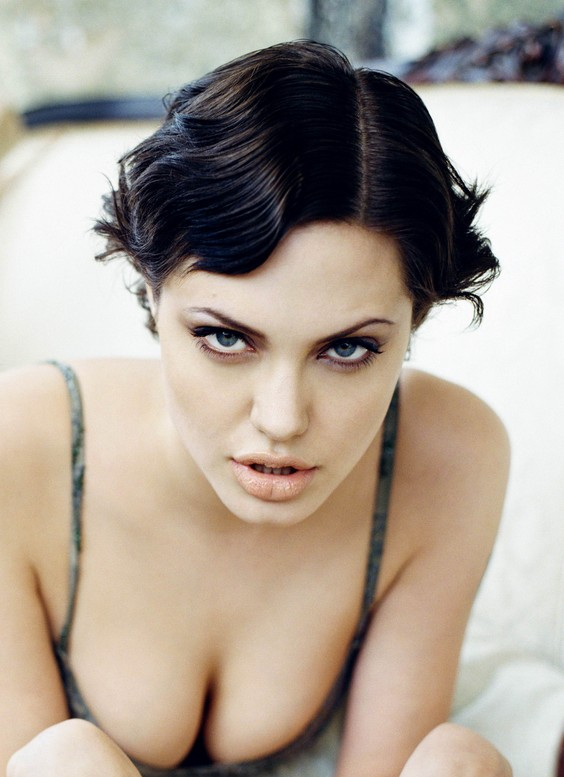 Angelina Jolie Sexy Short Wavy Bob Hairstyle