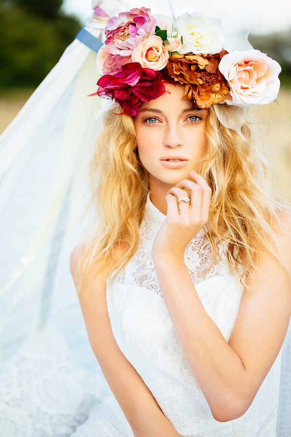 Gorgeous Floral Crown Hairstyle Ideas For Romantic Brides Pretty