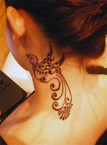 15 pretty neck tattoos for women pretty designs. Black Bedroom Furniture Sets. Home Design Ideas