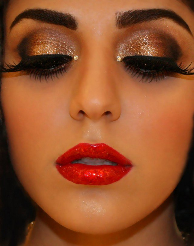 Pretty Makeup With The Eye Glitters 2052994: 14 Stylish Shimmer Eye Makeup Ideas For New Year's Eve