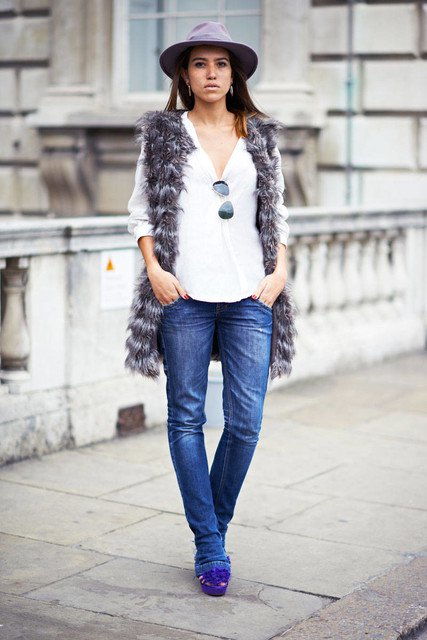 Causual Outfit Idea with A Fur Vest
