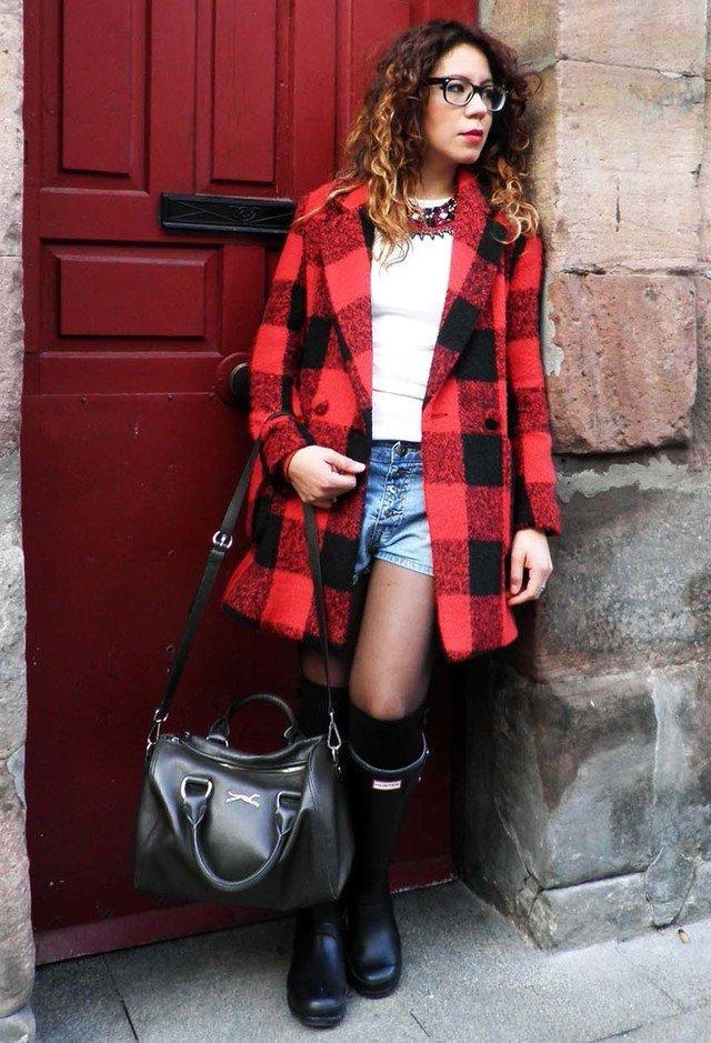 Chic Tartan Outfit Idea