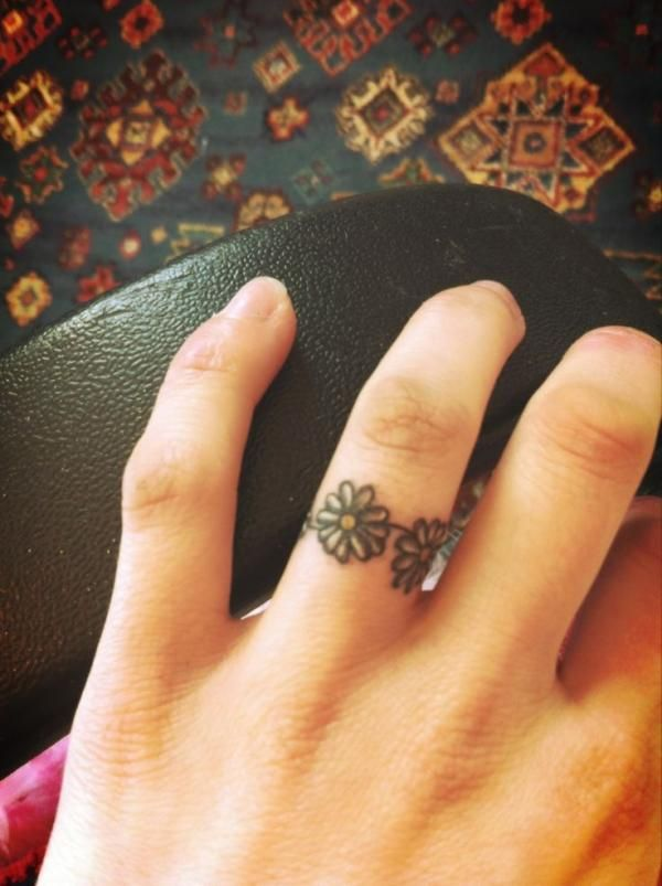 Daisy Tattoo on Fingers