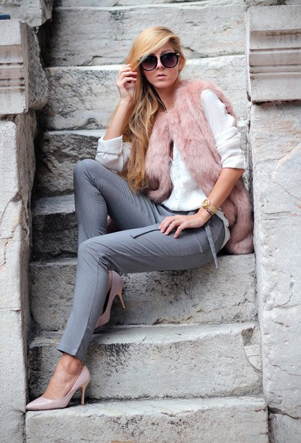 go for a more luxurious winter looks with fur outfits in