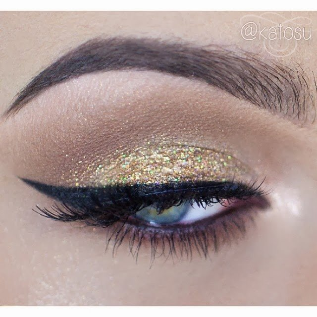 14 Stylish Shimmer Eye Makeup Ideas For New Year S Eve