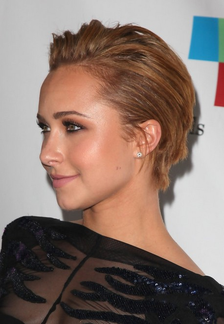 Hayden Panettiere Short Straight Haircut for Women 2016