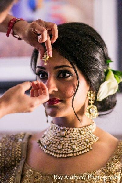 Amazing 16 Glamorous Indian Wedding Hairstyles Pretty Designs Short Hairstyles For Black Women Fulllsitofus