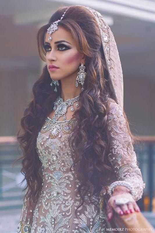 Long Wavy Indian Wedding Hairstyle With Headpieces