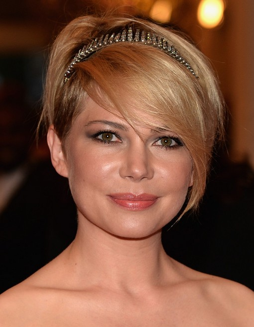 Michelle Williams Short Hairstyle with Long Bangs for Wedding