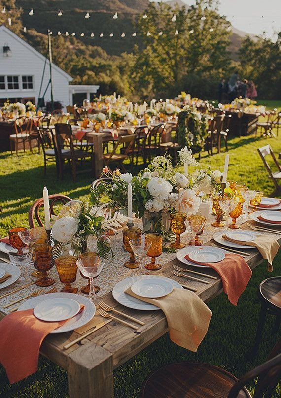 Awesome Outdoor Table Setting