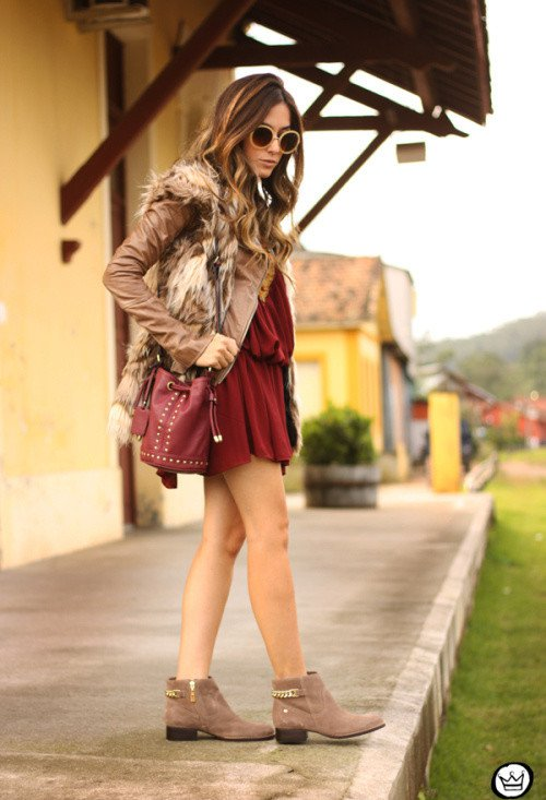 Pretty Fall Outfit Idea with a Fur Vest