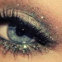 Pretty Shimmer Eye Makeup Idea