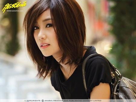 Asian Straight Layered Hair With Side Bangs 20 Charming Sho...