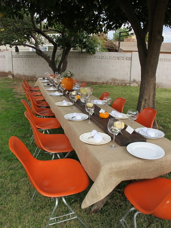 Outdoor table decorating for thanksgiving day pretty designs - Thanksgiving dinner table decorations ...