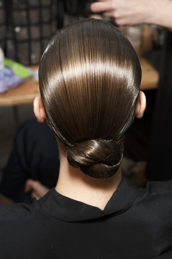 12 Pretty And Chic Holiday Hairstyles Pretty Designs