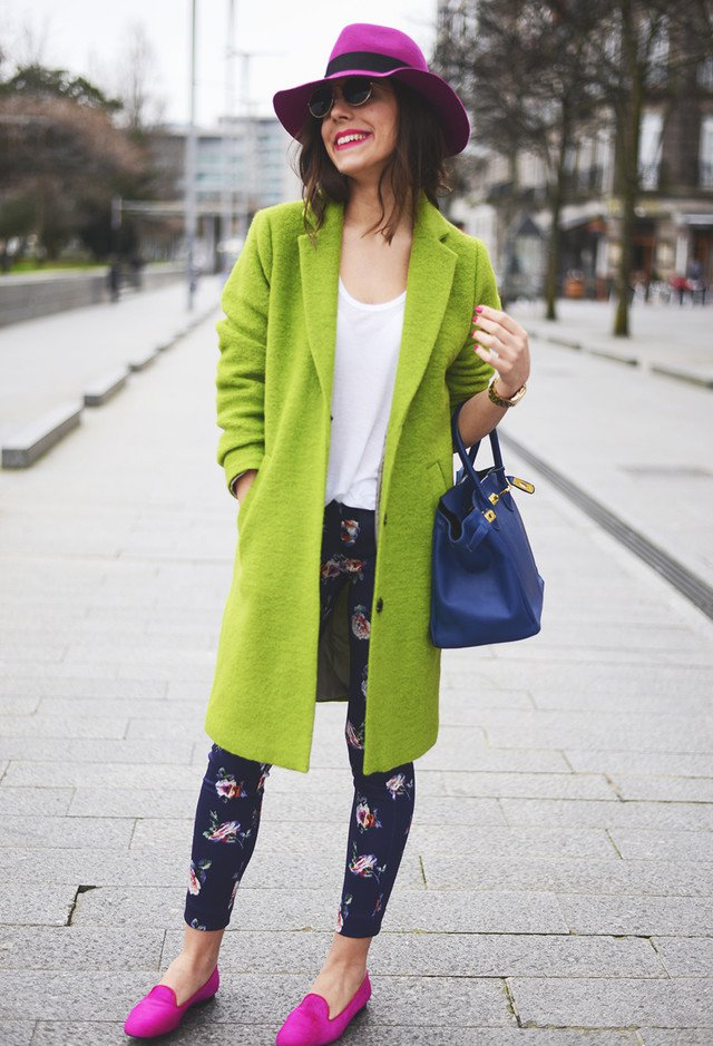 Stylish Early Winter Outfit Idea with Olive Green Coat