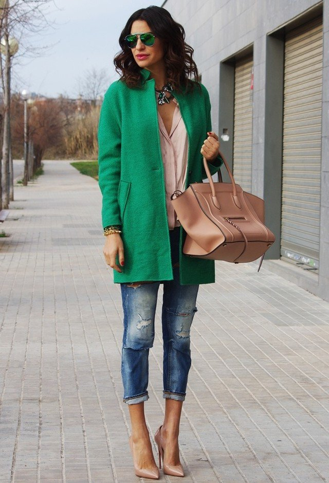 Stylish Outfit Idea with A Green Coat