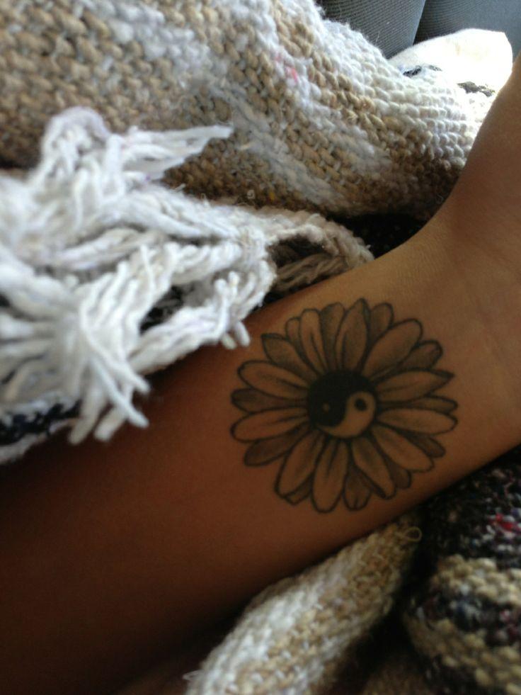 Ying Yang Daisy Tattoo