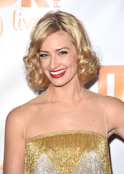Beth Behrs' Short Hair