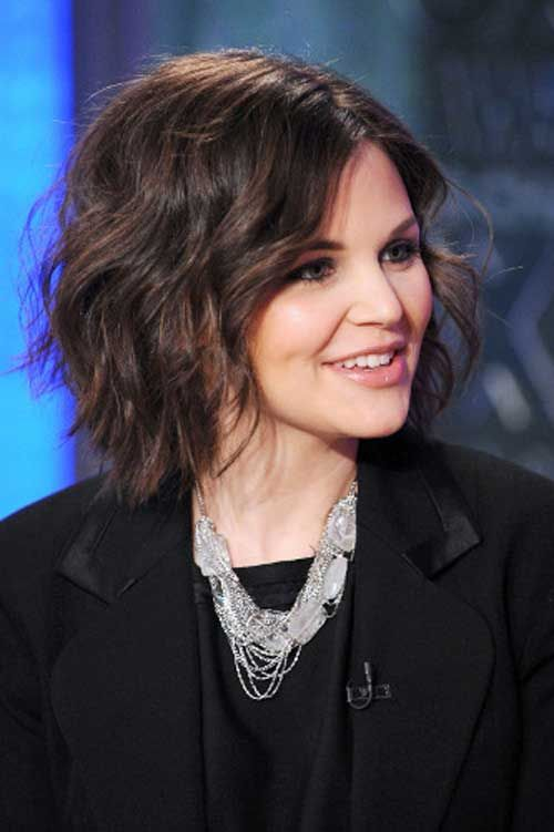 Ginnifer Goodwin Curly Bob with Side Part