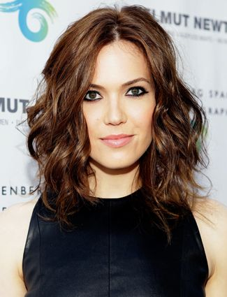 Mandy Moore's Curly Long Bob