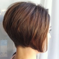 Perfect-Short-Stracked-Bob-Hairstyle-for-Women