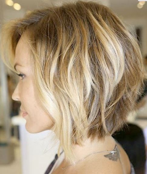 Soft Wavy Bob Haircut for Women