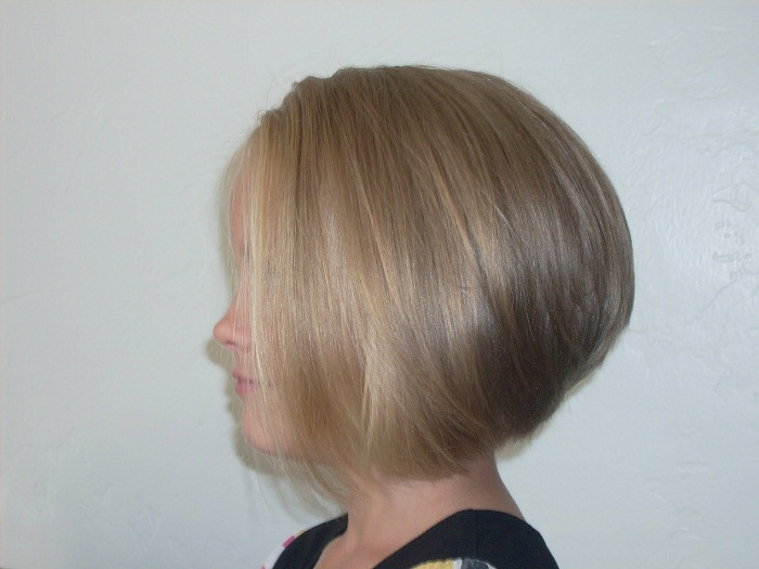 Haircut for women with thick hair