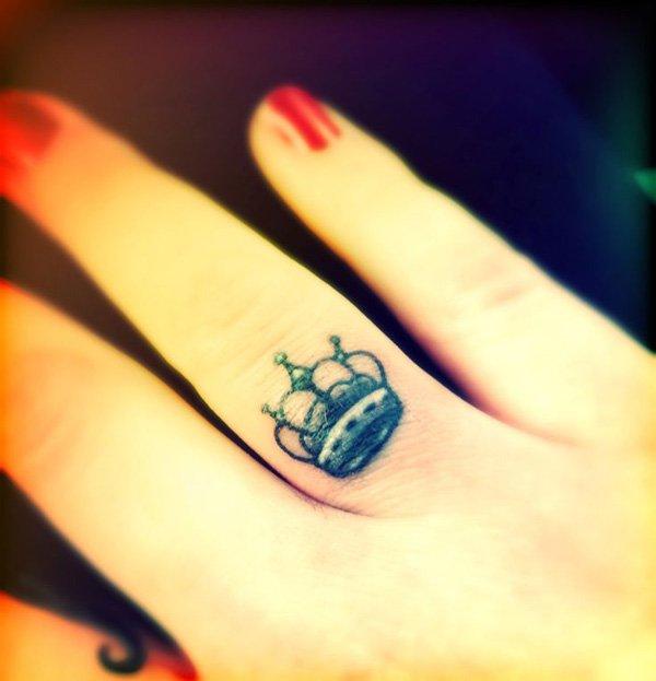 Crown Finger Tattoo Design