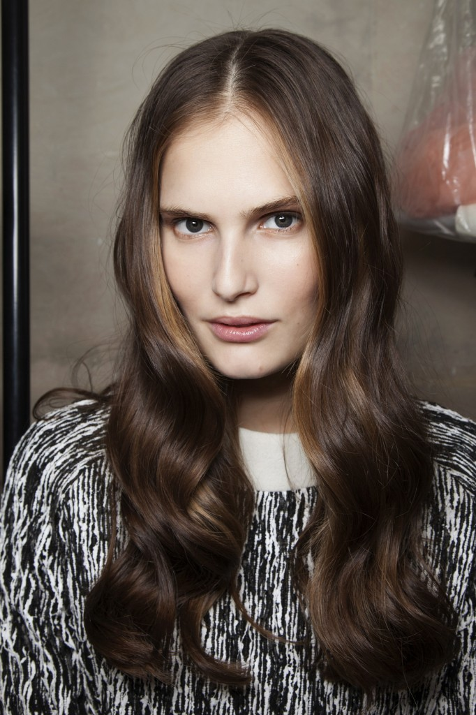 7 Simple and Easy Hairstyles for Your Daily Look - Pretty Designs