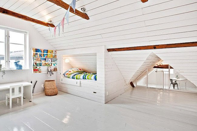 Simple Attic Bedroom Design