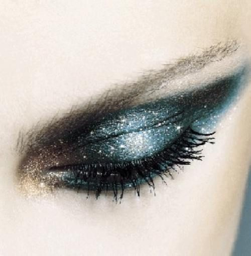 Smoke Eyes with Glitter
