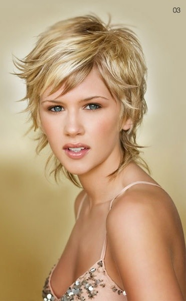 22 Popular Short Hairstyles for Women - Pretty Designs