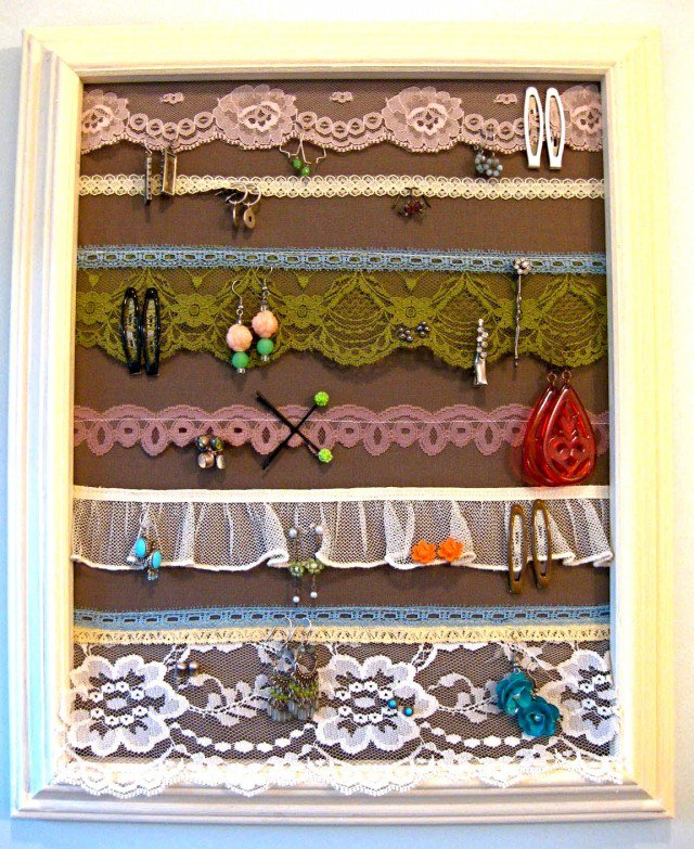 15 DIY Projects: Earring Holders - Pretty Designs